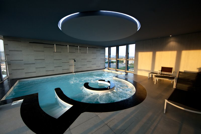 Crowne Plaza Verona Fiera-Lap Pool<br/>Image from Leonardo