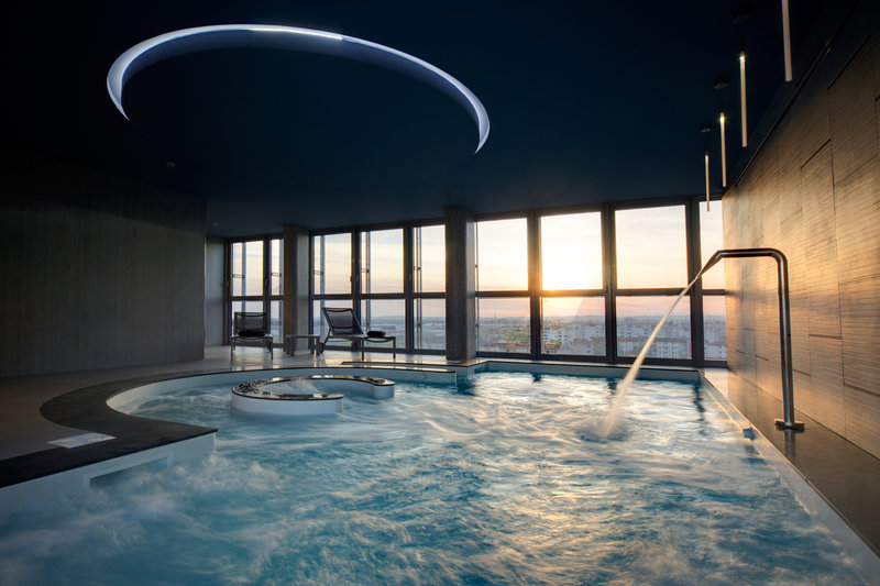 Crowne Plaza Verona Fiera-Swimming Pool<br/>Image from Leonardo