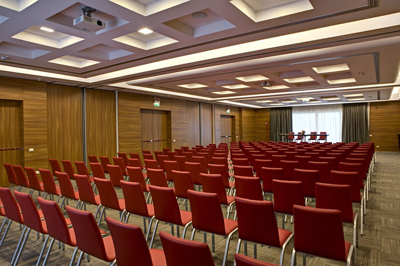 Crowne Plaza Verona Fiera-Conference Room<br/>Image from Leonardo