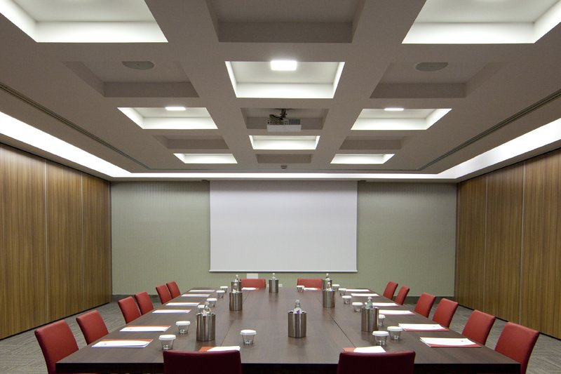 Crowne Plaza Verona Fiera-Boardroom<br/>Image from Leonardo