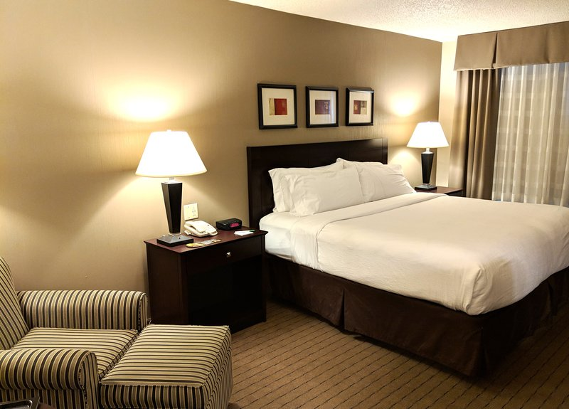 Holiday Inn Elmira - Riverview-Spacious King Rooms<br/>Image from Leonardo