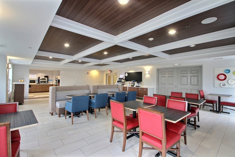 Holiday Inn Express & Suites Milwaukee Airport-Complimentary breakfast served daily at Milwaukee airport hotel<br/>Image from Leonardo