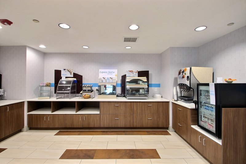 Holiday Inn Express & Suites Milwaukee Airport-Complimentary Hot Deluxe Breakfast at hotel near Hwy 94<br/>Image from Leonardo