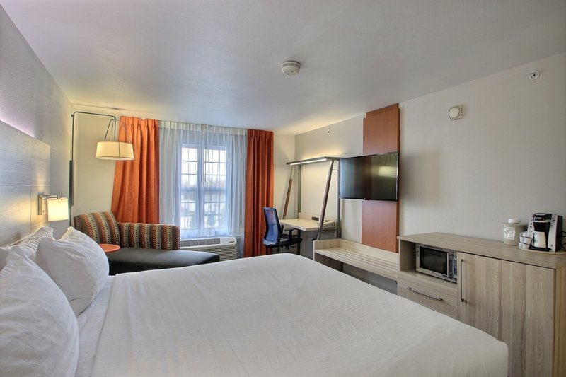Holiday Inn Express & Suites Milwaukee Airport-Microwave, Refrigerator & Coffee Maker in each room<br/>Image from Leonardo