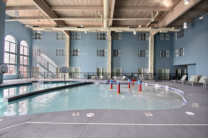 Holiday Inn Express & Suites Milwaukee Airport-Swimming Pool at hotel near Hwy 94<br/>Image from Leonardo