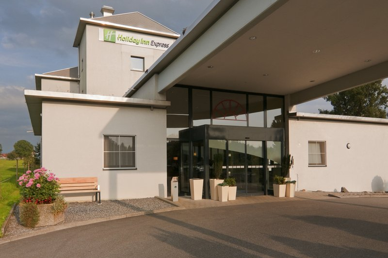 Holiday Inn Express Luzern - Neuenkirch-Come in...<br/>Image from Leonardo