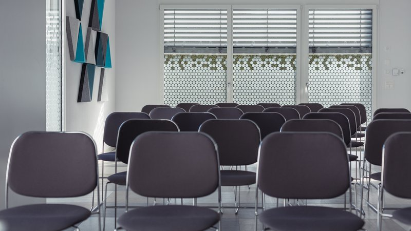 Holiday Inn Express Luzern - Neuenkirch-Meeting Room<br/>Image from Leonardo