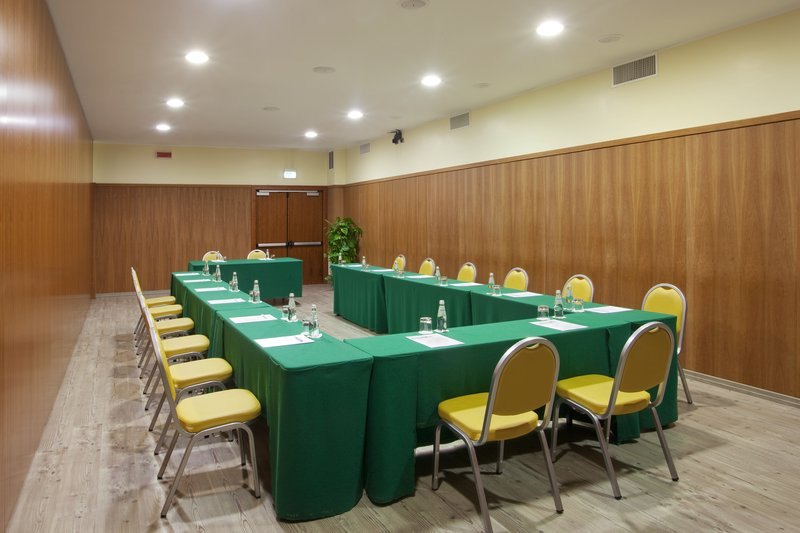 Holiday Inn Cagliari-Meeting Room (62 sq.m.) U-shape<br/>Image from Leonardo