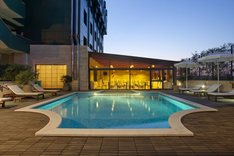 Holiday Inn Cagliari-Swimming Pool by night<br/>Image from Leonardo