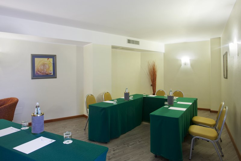 Holiday Inn Cagliari-Boardroom - U-shape<br/>Image from Leonardo