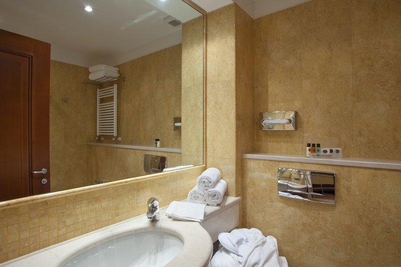 Holiday Inn Cagliari-Guest Bathroom available with shower or tub<br/>Image from Leonardo