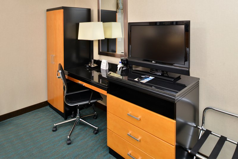 Holiday Inn Express New York JFK Airport Area-Room Feature<br/>Image from Leonardo
