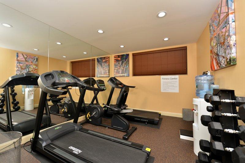 Holiday Inn Express New York JFK Airport Area-Fitness Center<br/>Image from Leonardo