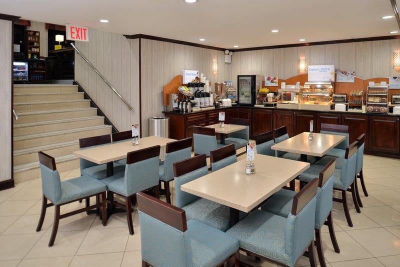 Holiday Inn Express New York JFK Airport Area-Breakfast Room<br/>Image from Leonardo
