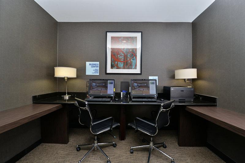 Holiday Inn Express New York JFK Airport Area-Business Center<br/>Image from Leonardo