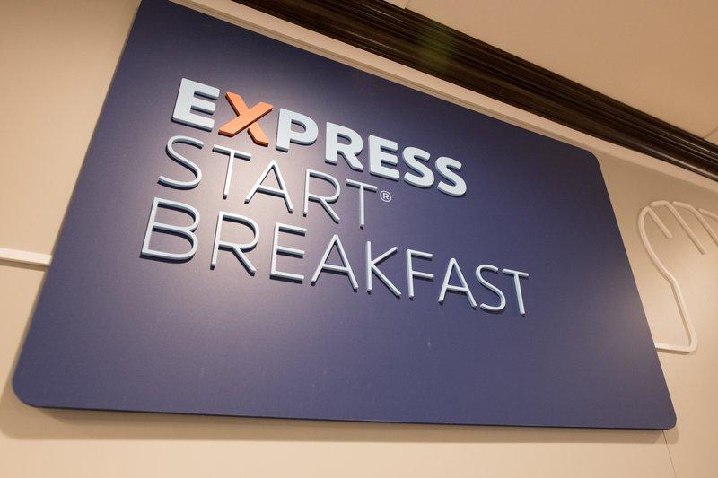 Holiday Inn Express New York JFK Airport Area-New Express Start Breakfast<br/>Image from Leonardo