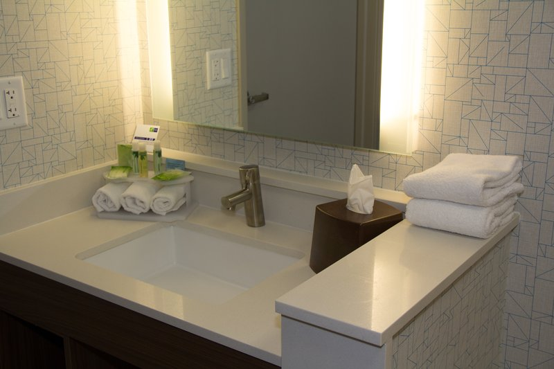 Holiday Inn Express Salt Lake City Downtown-Holiday Inn Express Salt Lake City Downtown Guest Bathroom<br/>Image from Leonardo