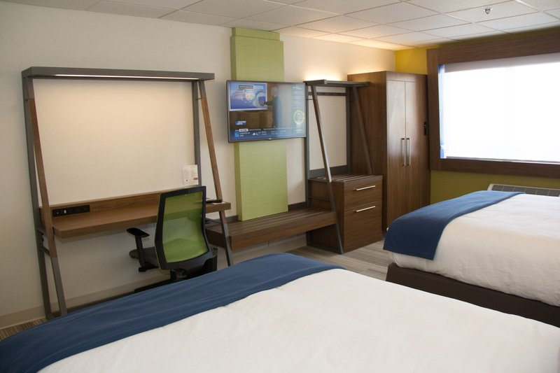 Holiday Inn Express Salt Lake City Downtown-Double Bed Guest Room with well lit work space & 42 inch LCD TV<br/>Image from Leonardo