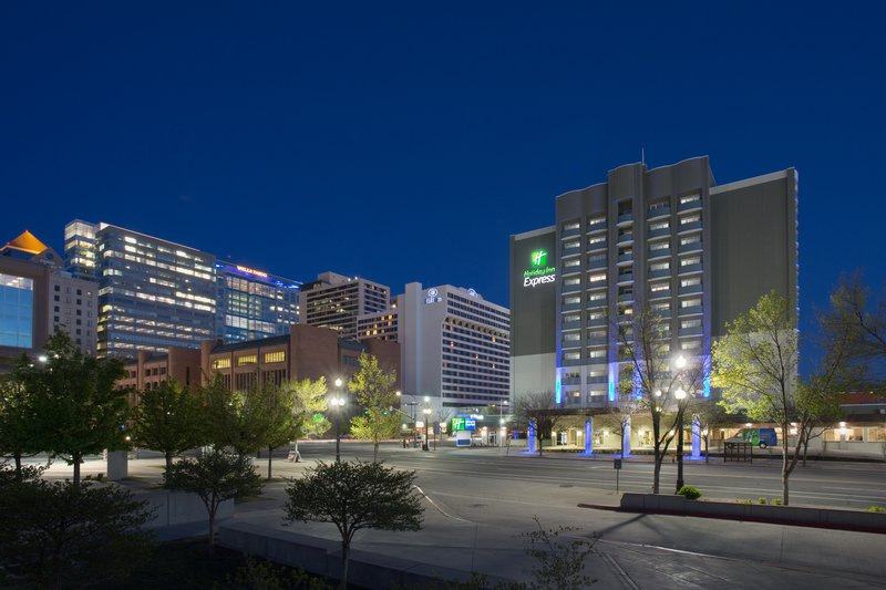 Holiday Inn Express Salt Lake City Downtown-Holiday Inn Express Salt Lake City Downtown at night<br/>Image from Leonardo