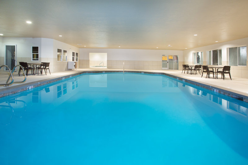 Holiday Inn Express Salt Lake City Downtown-Swimming Pool<br/>Image from Leonardo