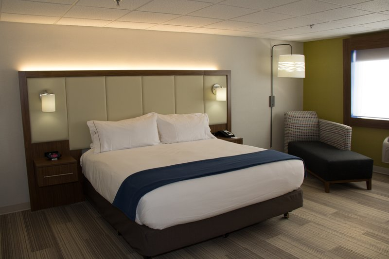 Holiday Inn Express Salt Lake City Downtown-Holiday Inn Express Salt Lake City Downtown King Guest Room<br/>Image from Leonardo