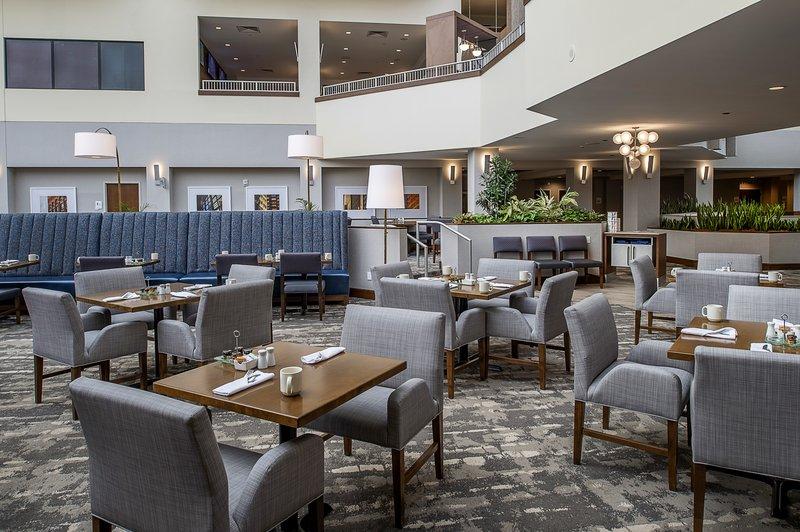 Crowne Plaza St. Louis Airport-Restaurant<br/>Image from Leonardo