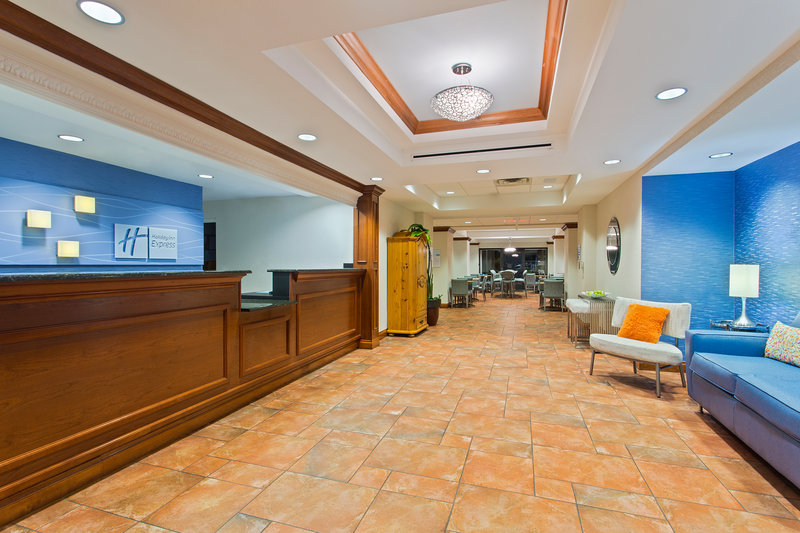 Holiday Inn Express Hotel & Suites Clearwater North/Dunedin-Hotel Lobby<br/>Image from Leonardo