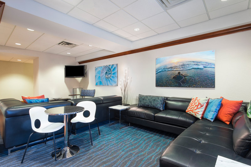 Holiday Inn Express Hotel & Suites Clearwater North/Dunedin-Lobby Lounge<br/>Image from Leonardo