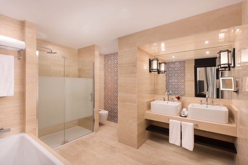Hotel Alfonso XIII; a Luxury Collection Hotel Seville-Deluxe Suite Bathroom<br/>Image from Leonardo