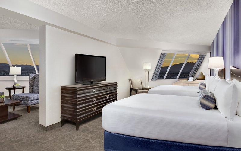 Luxor Resort and Casino-Pyramid-Premium-Corner-Suite-Queen-Beds<br/>Image from Leonardo