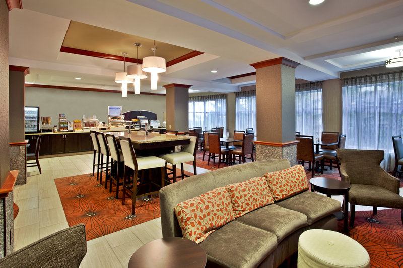 Holiday Inn Express & Suites Grand Rapids - North-Breakfast Area<br/>Image from Leonardo