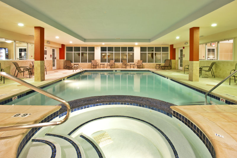 Holiday Inn Express & Suites Grand Rapids - North-Swimming Pool<br/>Image from Leonardo