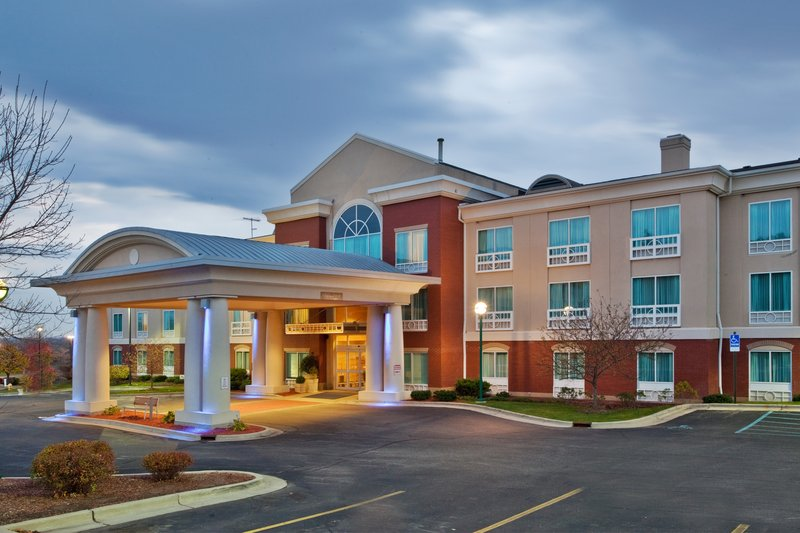 Holiday Inn Express & Suites Grand Rapids - North-Hotel Exterior<br/>Image from Leonardo