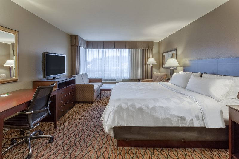 Holiday Inn Eau Claire South I-94-Guest Room <br/>Image from Leonardo