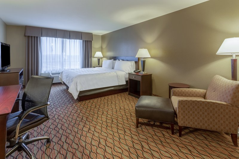 Holiday Inn Eau Claire South I-94-King Bed Guest Room <br/>Image from Leonardo