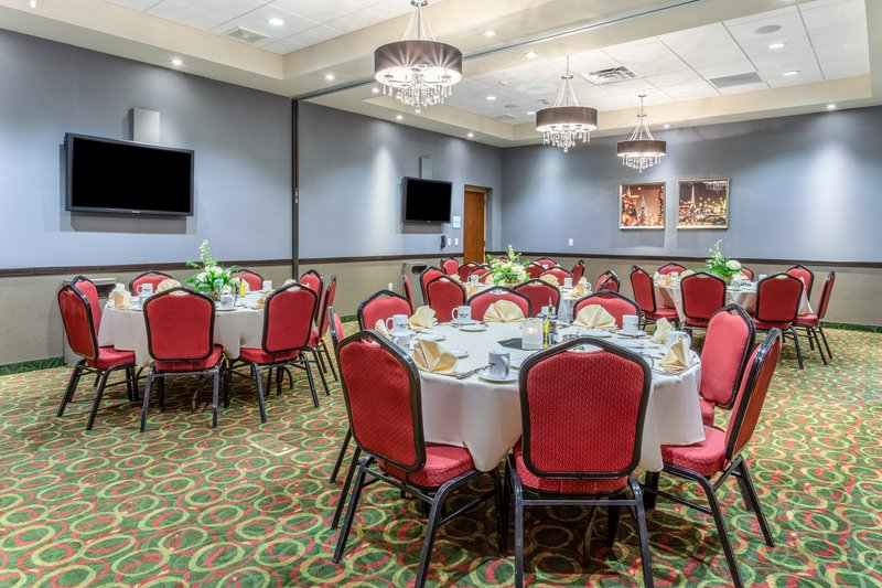 Holiday Inn Eau Claire South I-94-Meeting Room <br/>Image from Leonardo