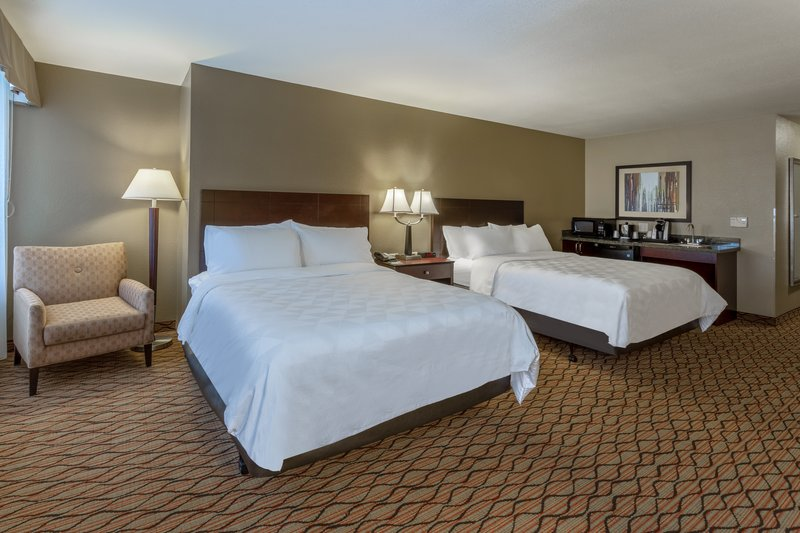 Holiday Inn Eau Claire South I-94-Suite <br/>Image from Leonardo