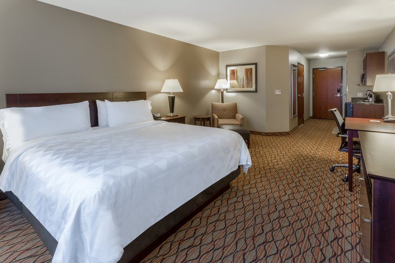 Holiday Inn Eau Claire South I-94-King Bed Guest Room Nonsmoking <br/>Image from Leonardo