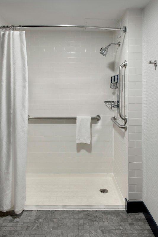 Four Points Philadelphia Northeast-Accessible Guest Bathroom<br/>Image from Leonardo