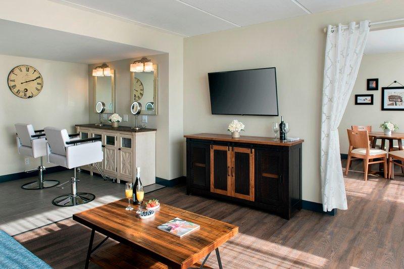 Four Points Philadelphia Northeast-Bridal Suite<br/>Image from Leonardo