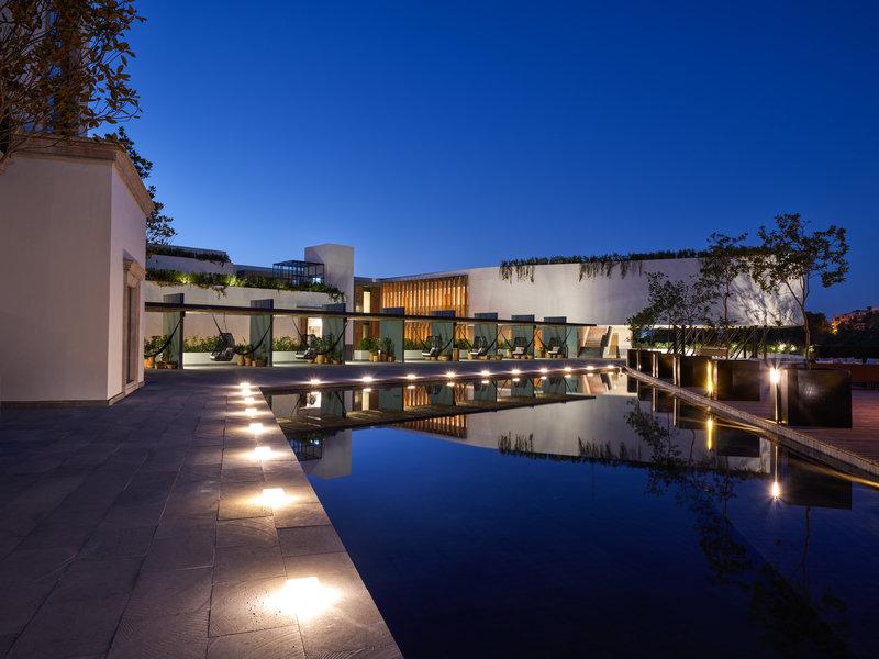 Live Aqua San Miguel Allende-Pool<br/>Image from Leonardo