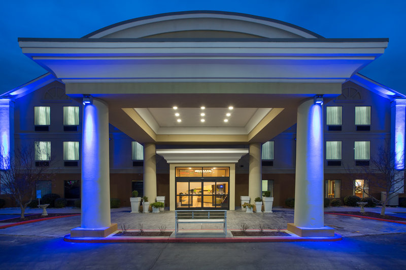Holiday Inn Express Lexington-Sw (Nicholasville)-Enjoy the evening in complete relaxation<br/>Image from Leonardo