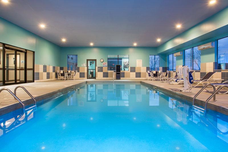 Holiday Inn Express Lexington-Sw (Nicholasville)-Heated indoor swimming pool<br/>Image from Leonardo