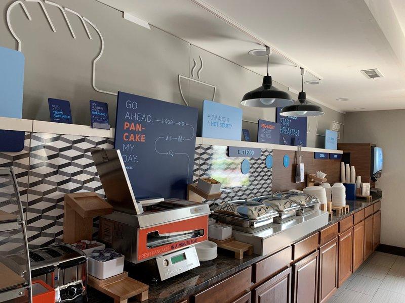 Holiday Inn Express Lexington-Sw (Nicholasville)-Breakfast Bar 2<br/>Image from Leonardo
