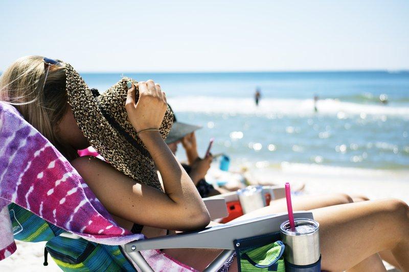 Holiday Inn Express Newport Beach-Beach<br/>Image from Leonardo