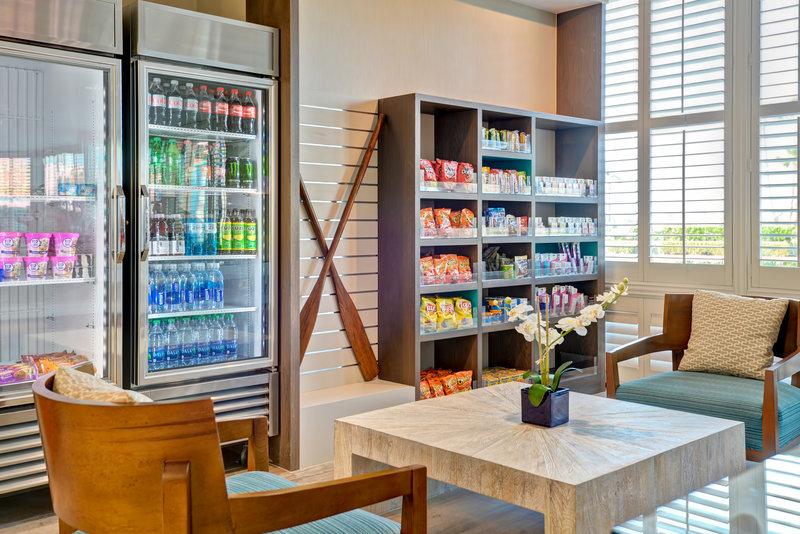 Holiday Inn Express Newport Beach-Gift Shop<br/>Image from Leonardo