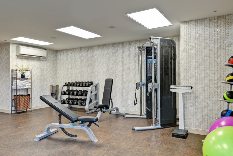 Holiday Inn Express Newport Beach-Modern and spacious workout facility<br/>Image from Leonardo