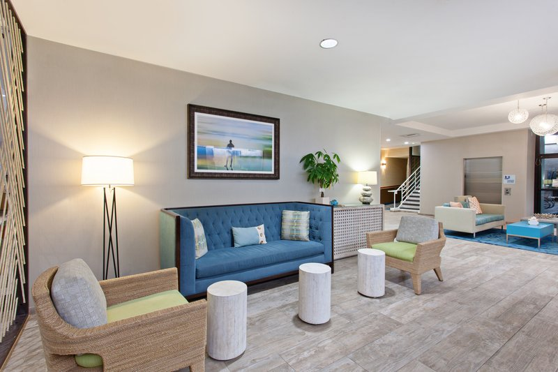 Holiday Inn Express Newport Beach-Hotel Lobby <br/>Image from Leonardo