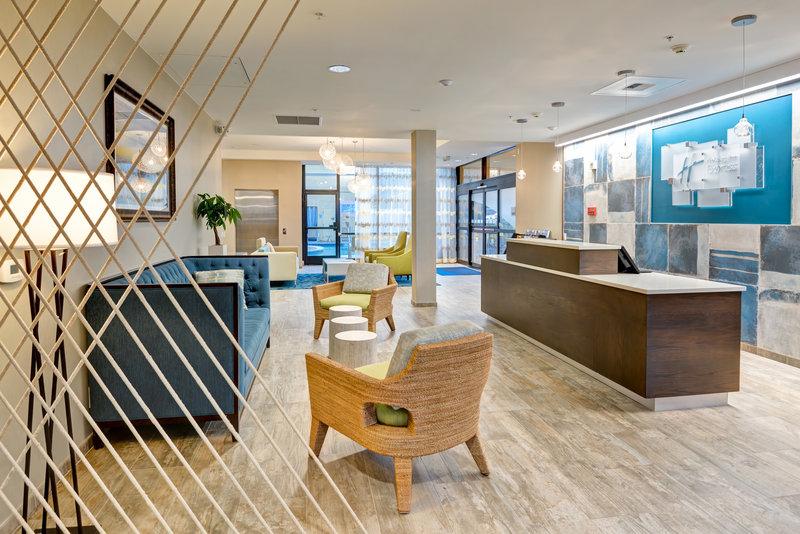 Holiday Inn Express Newport Beach-Hotel Lobby<br/>Image from Leonardo