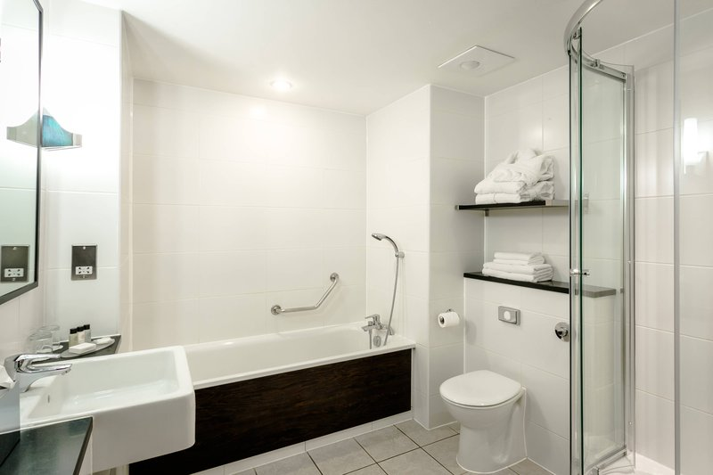 Delta Hotels Nottingham-Deluxe Guest Room - Bathroom<br/>Image from Leonardo